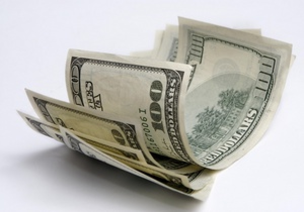 Гривна укрепилась на валютном рынке