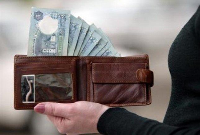 Оплата товаров и услуг в торгово-сервисной сети. Наличные или платежная карта?