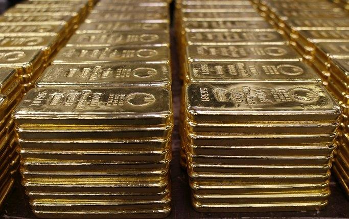 Золото-валютные резервы Нацбанка упали до критической цифры