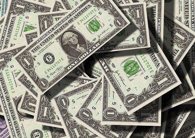 Доллар вырос в первый день зимы