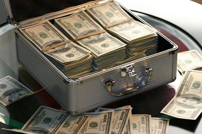 Нацбанк активно покупает валюту