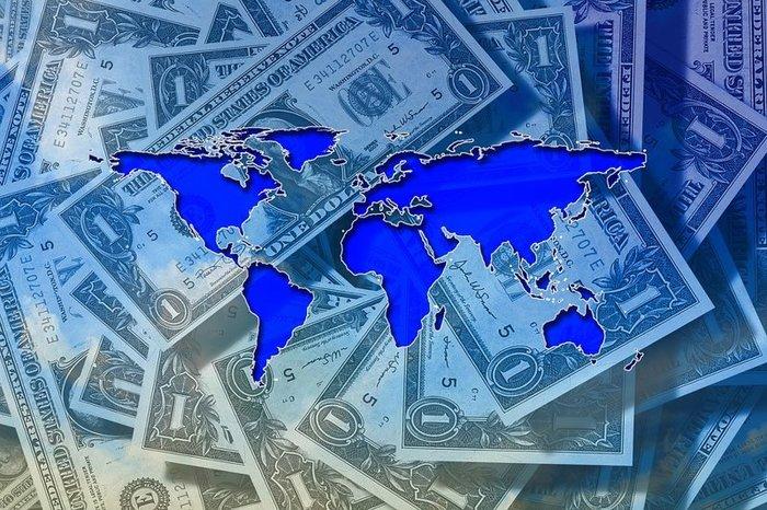 Валюта за границу: теперь проще