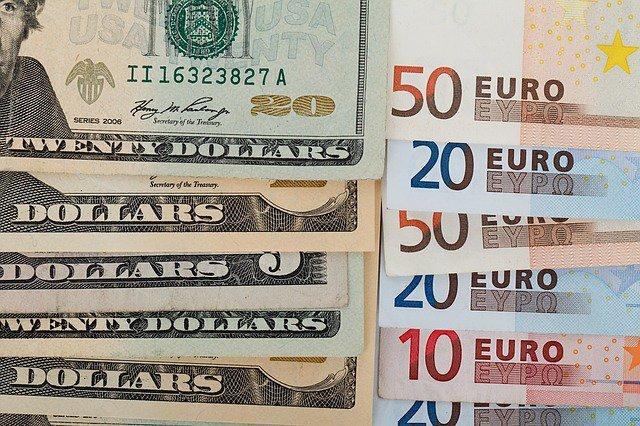 Доллар или евро: что выбрать?