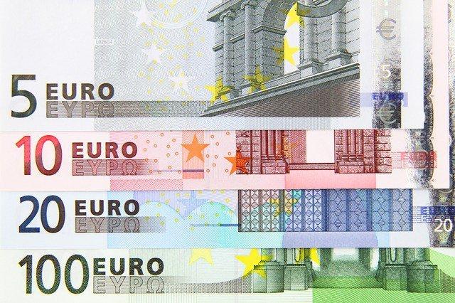 Кому нужен дорогой евро
