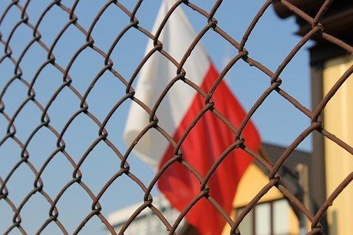 Польша ввела в силу запрет на въезд для украинцев