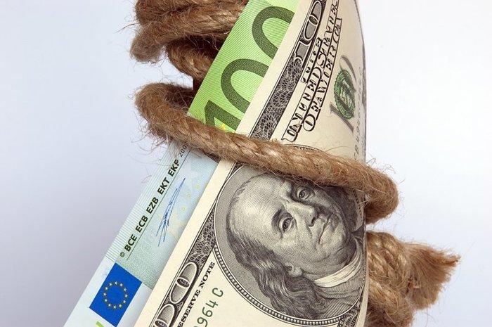Доллар установил новый минимум
