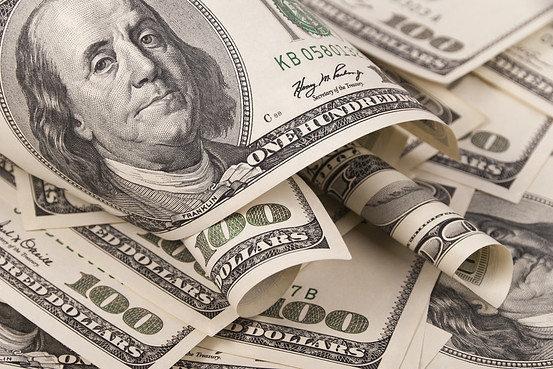 Доллар опять дешевеет
