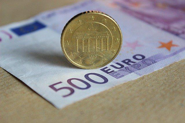 Евро ускоряет падение