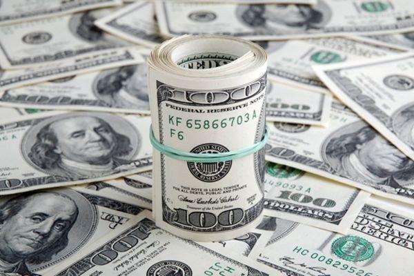 Национальный банк сдержал рост доллара