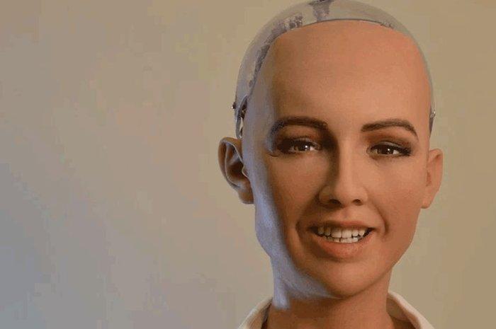 Робот София впервые в Украине: о чем говорили