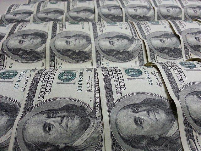 Доллар падает из-за МВФ