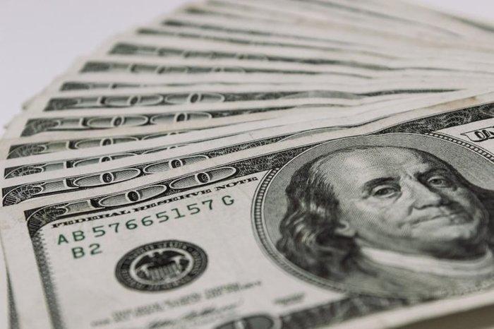 Падение доллара продолжилось