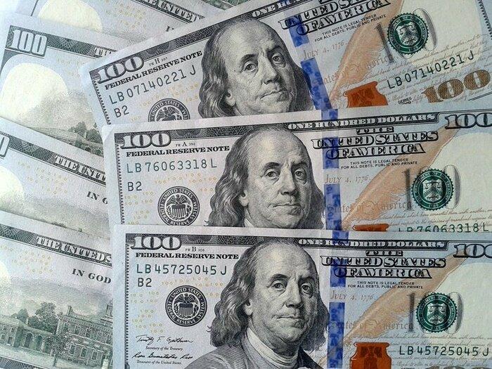 Неизвестные начали скупать валюту