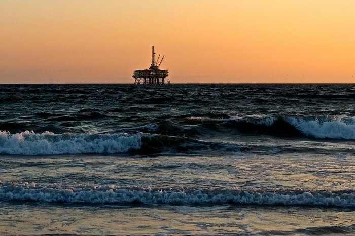 Азия начала отказываться от сланцевой нефти из США
