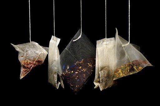 Чем опасны чайные пакетики