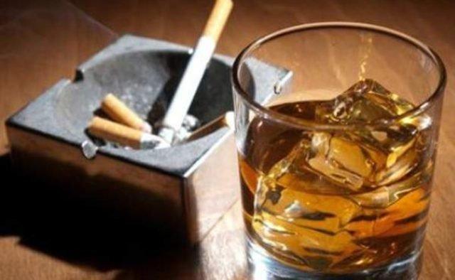 Алкоголь, сигареты, соцсети: зависимости подростков
