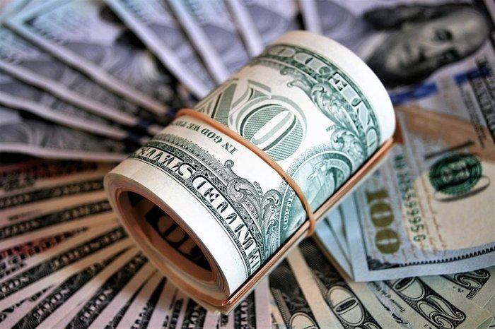 Нацбанк затормозил падение доллара