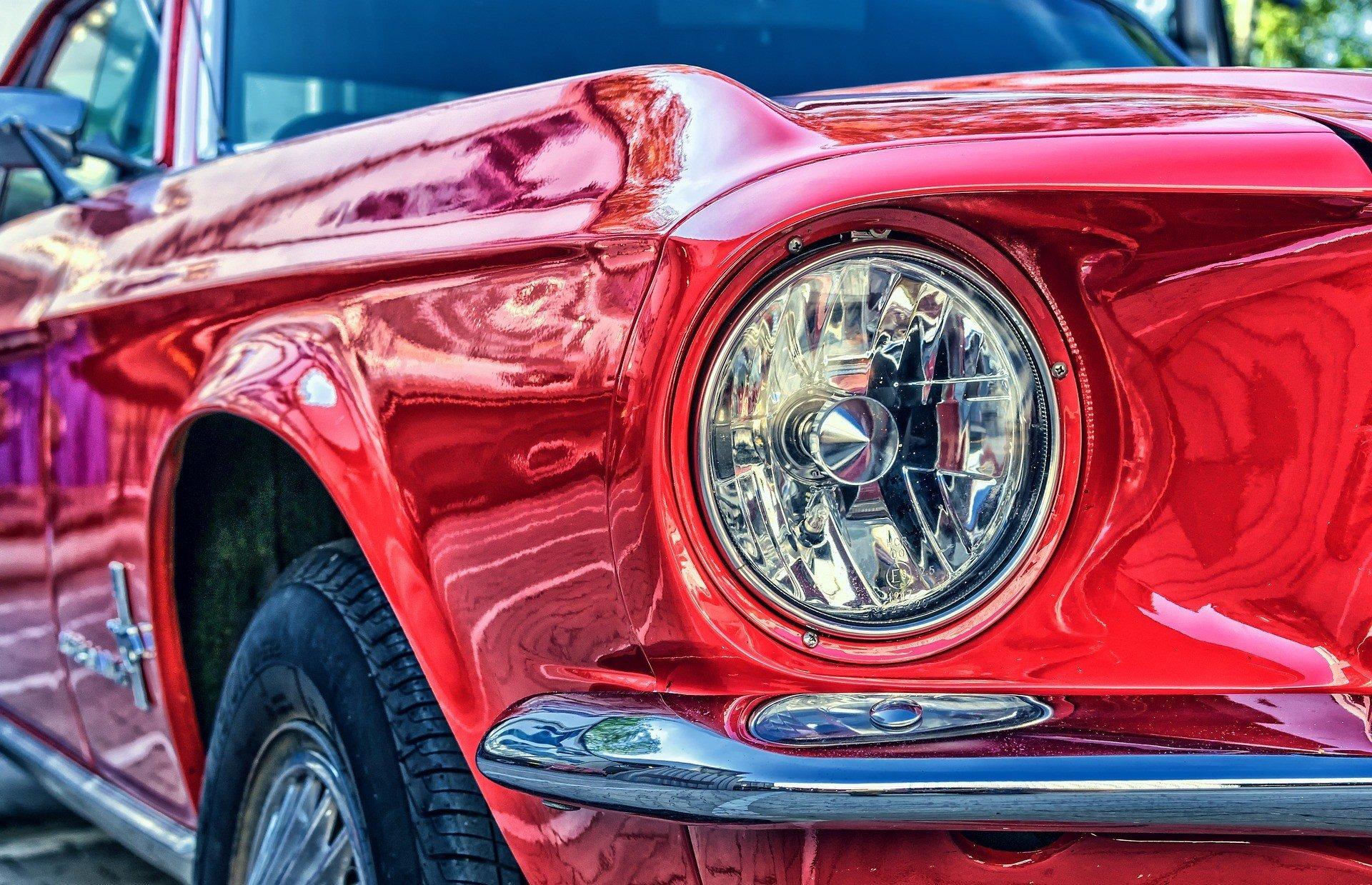 Продажи японских автопроизводителей упали
