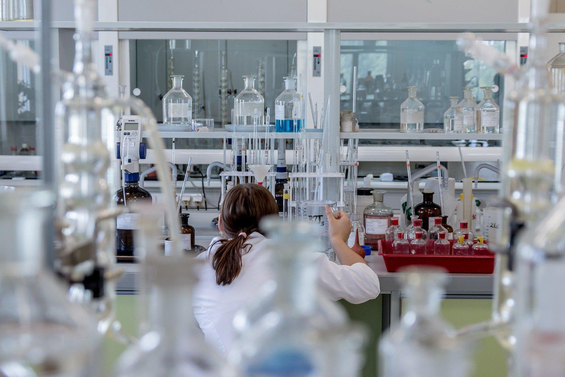 Amazon построит лабораторию для тестирования на COVID-19