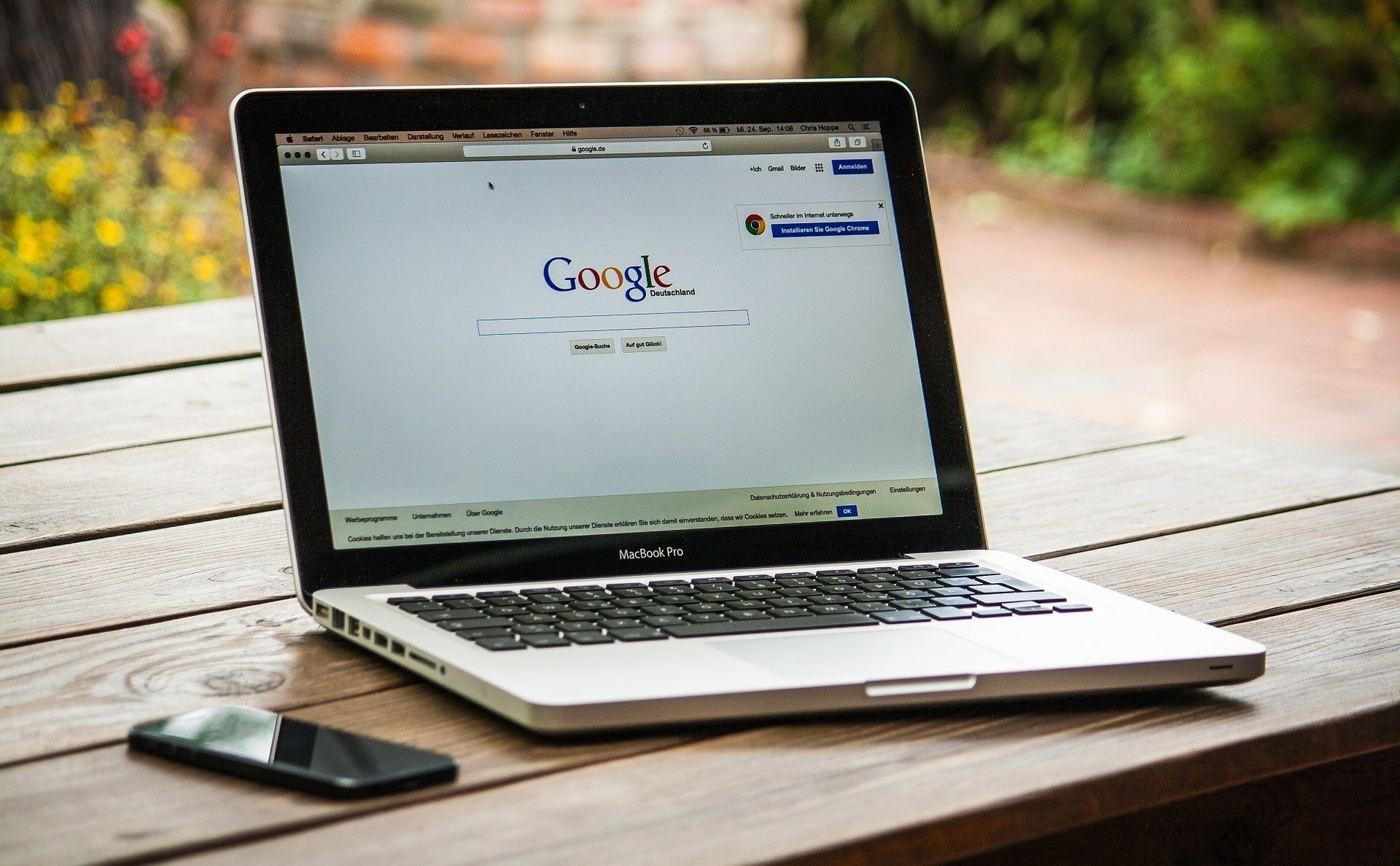 Google потребует подтверждать личность рекламодателей