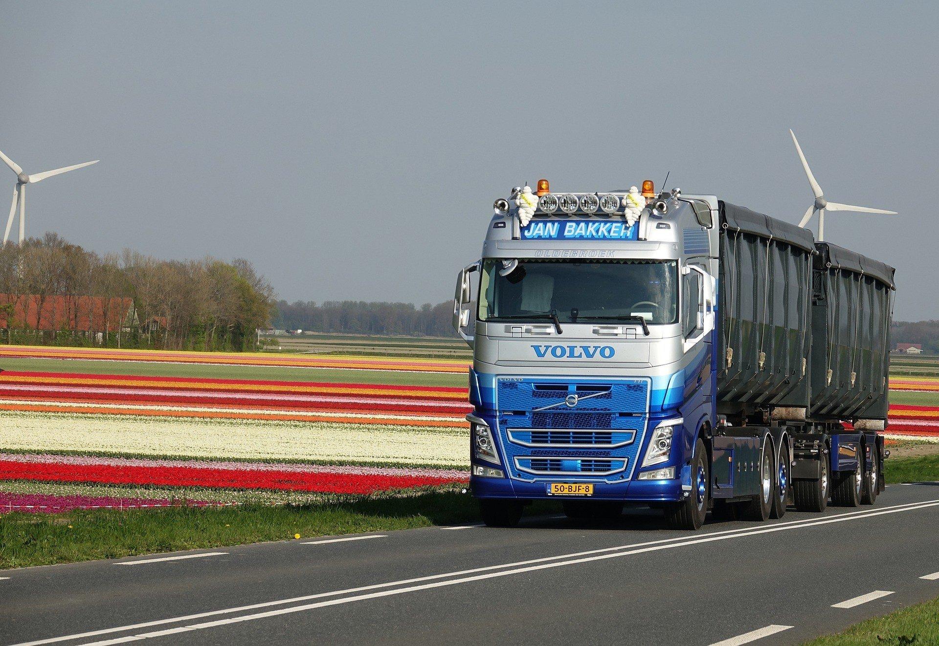 Робокары с дистанционным управлением заменят дальнобойщиков