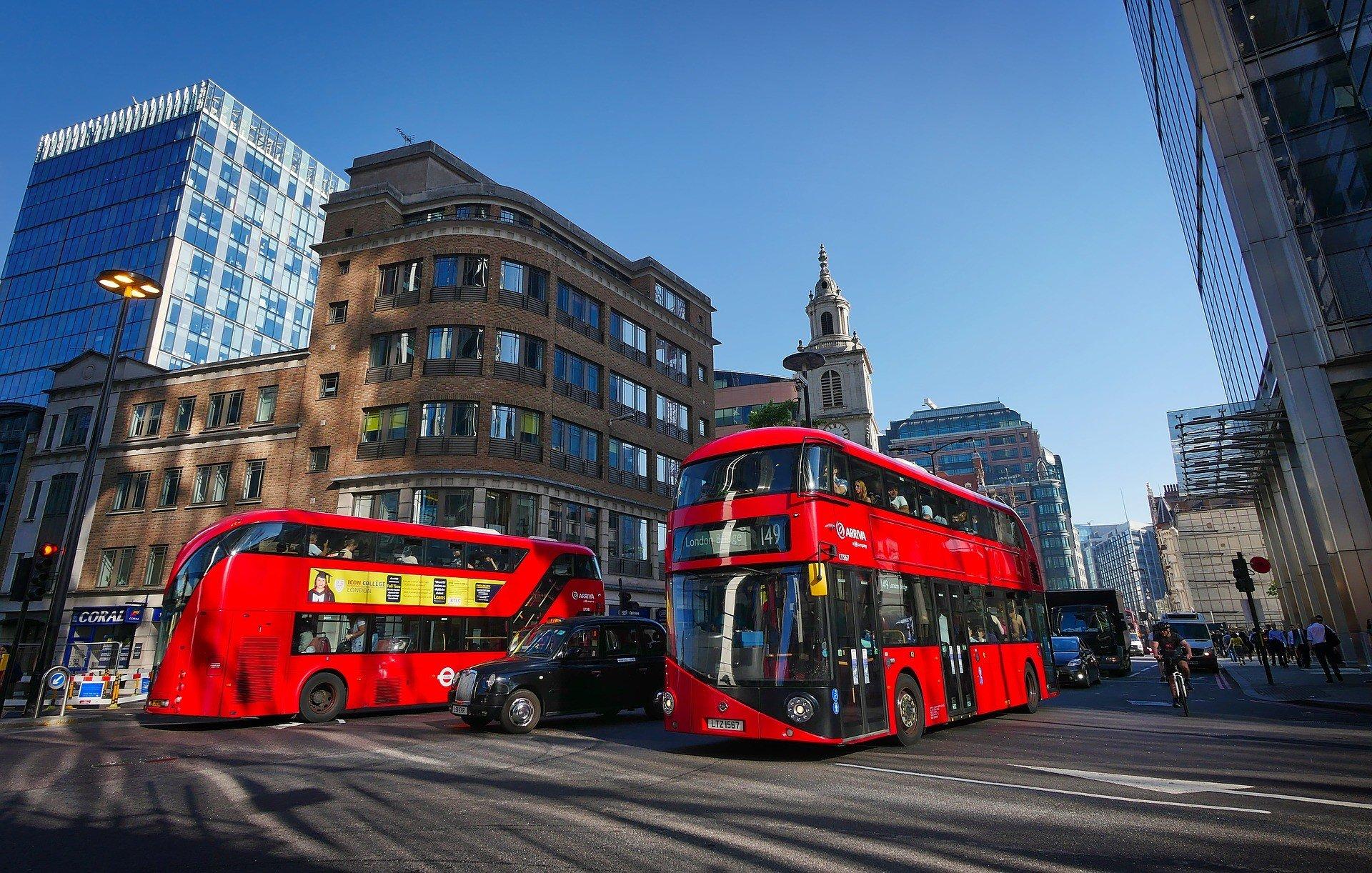 В Лондоне умерли 20 водителей автобусов