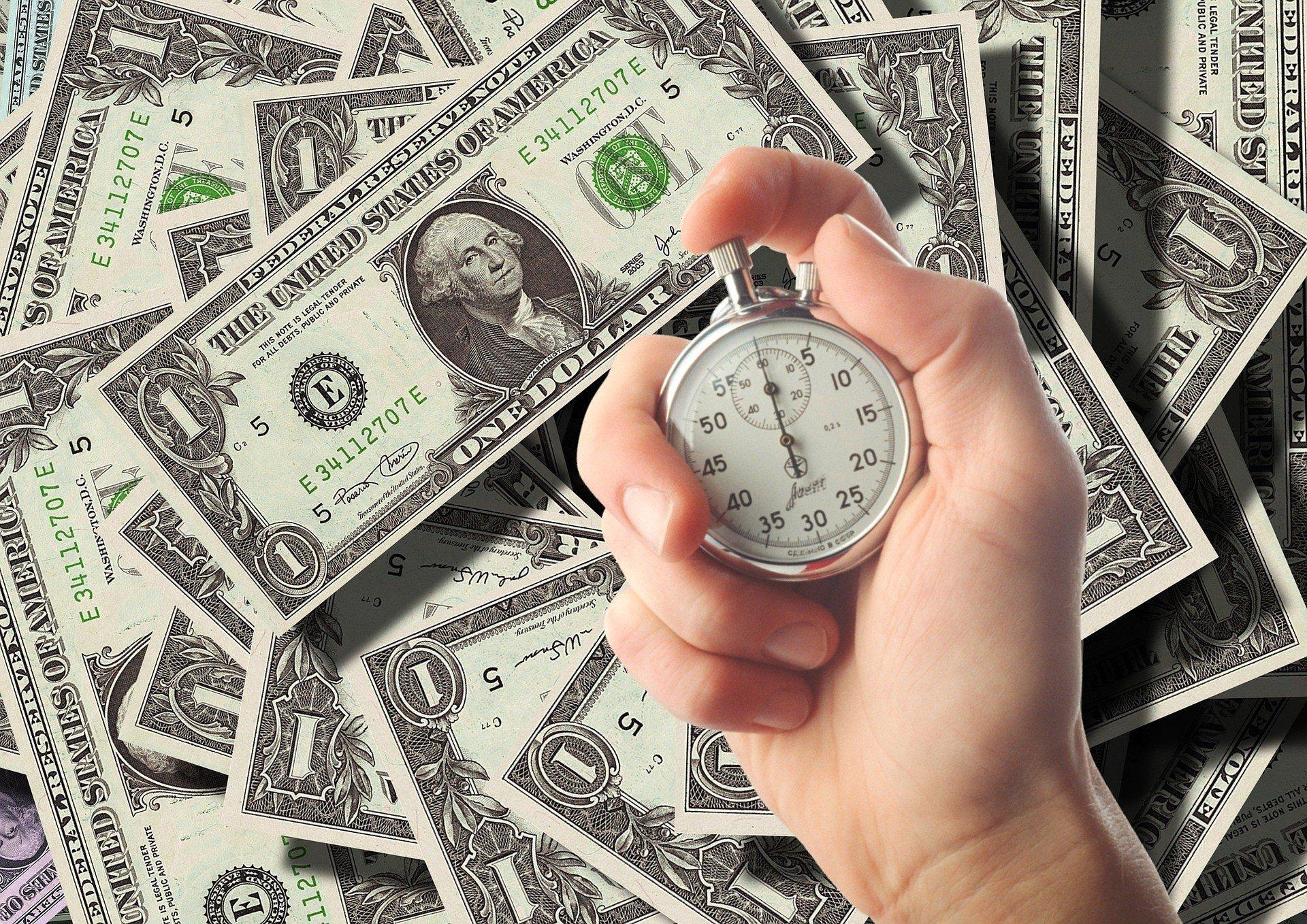 Доллар не смог закрепиться выше 27 грн