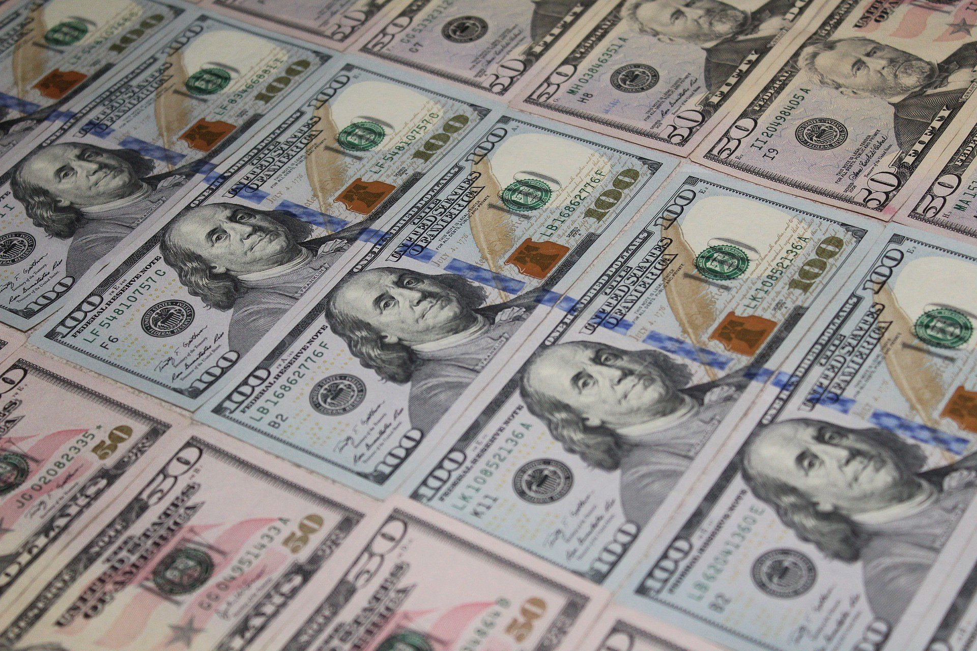 Нацбанк опять выкупает валюту Нафтогаза