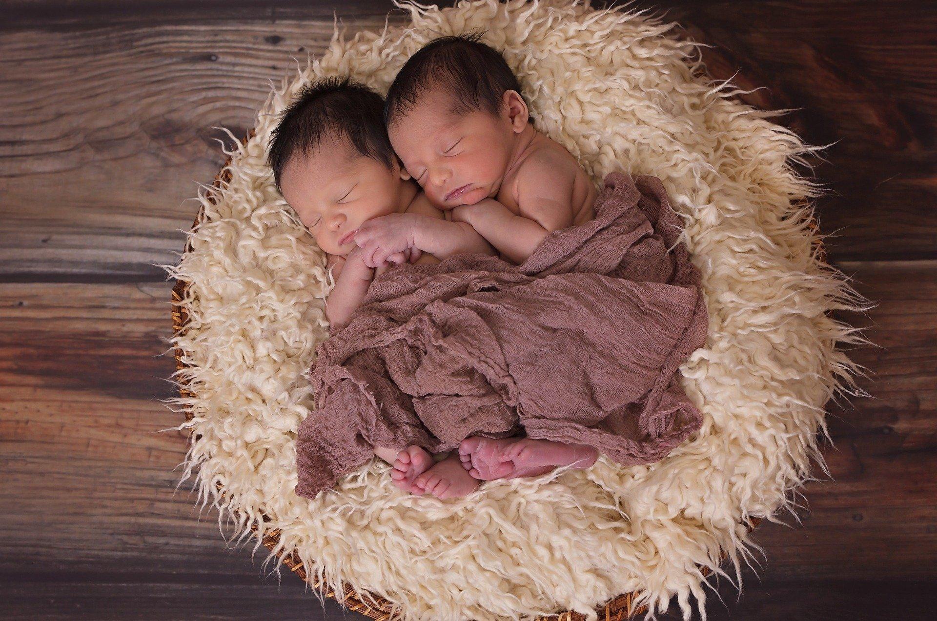 Уровень рождаемости в США продолжает снижаться