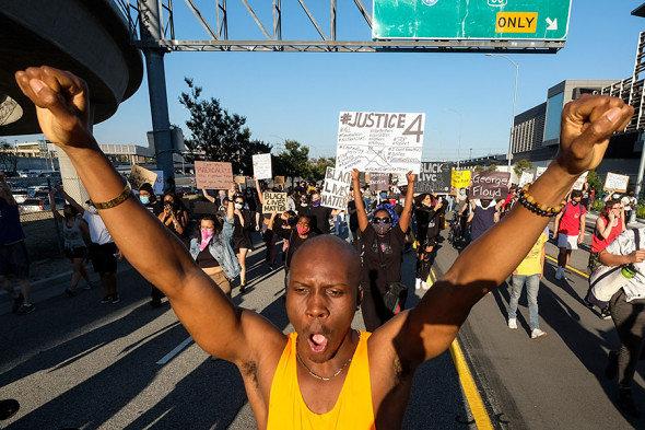 Названы причины вспышки протестов в США