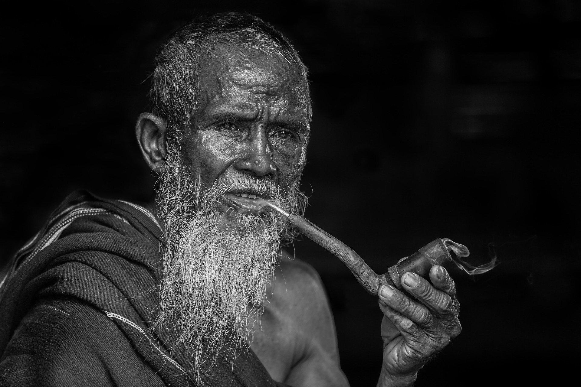Названа самая курящая страна в мире