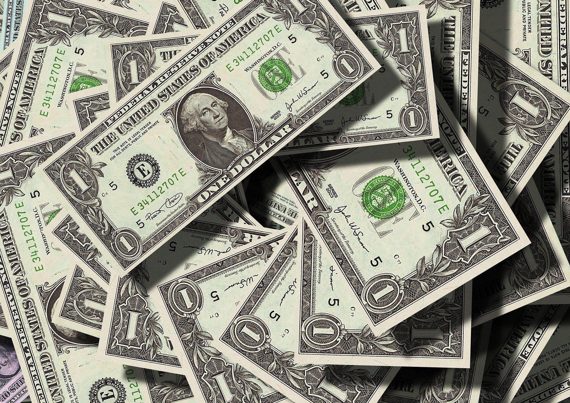 Межбанк: снижение курса доллара прекратилось