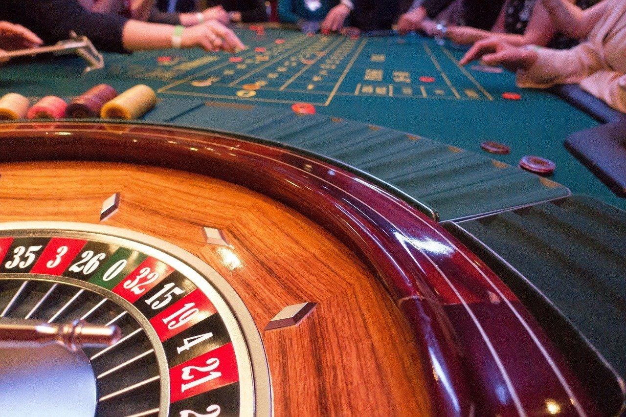 Будут ли работать казино в украине игра казино миллионер