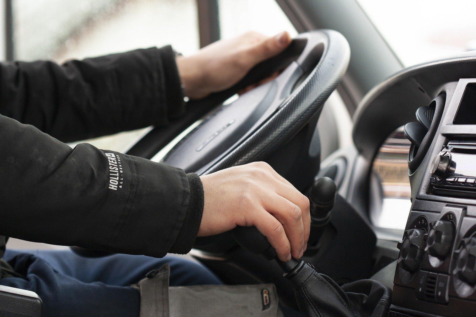 Водителей заставят ходить в автошколу каждые 5 лет