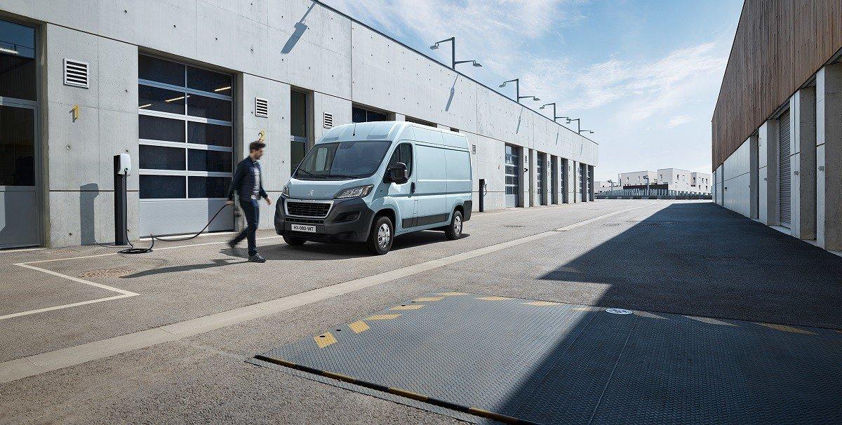 Peugeot представила электо-Expert