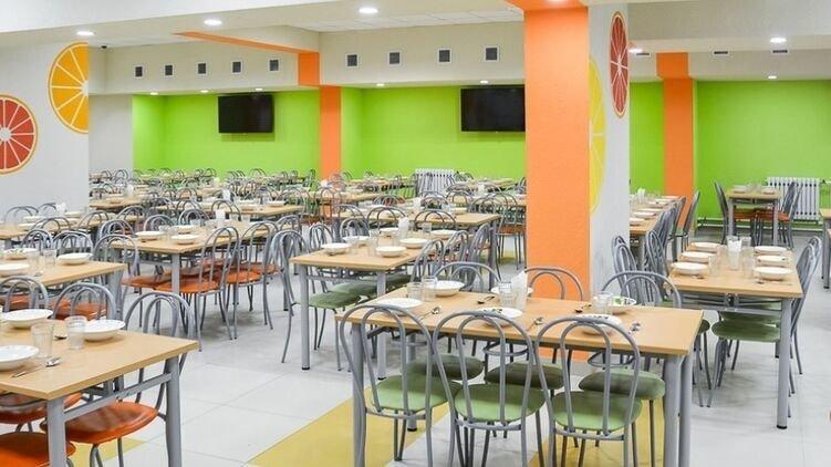 Киевские школьники не будут питаться в столовых