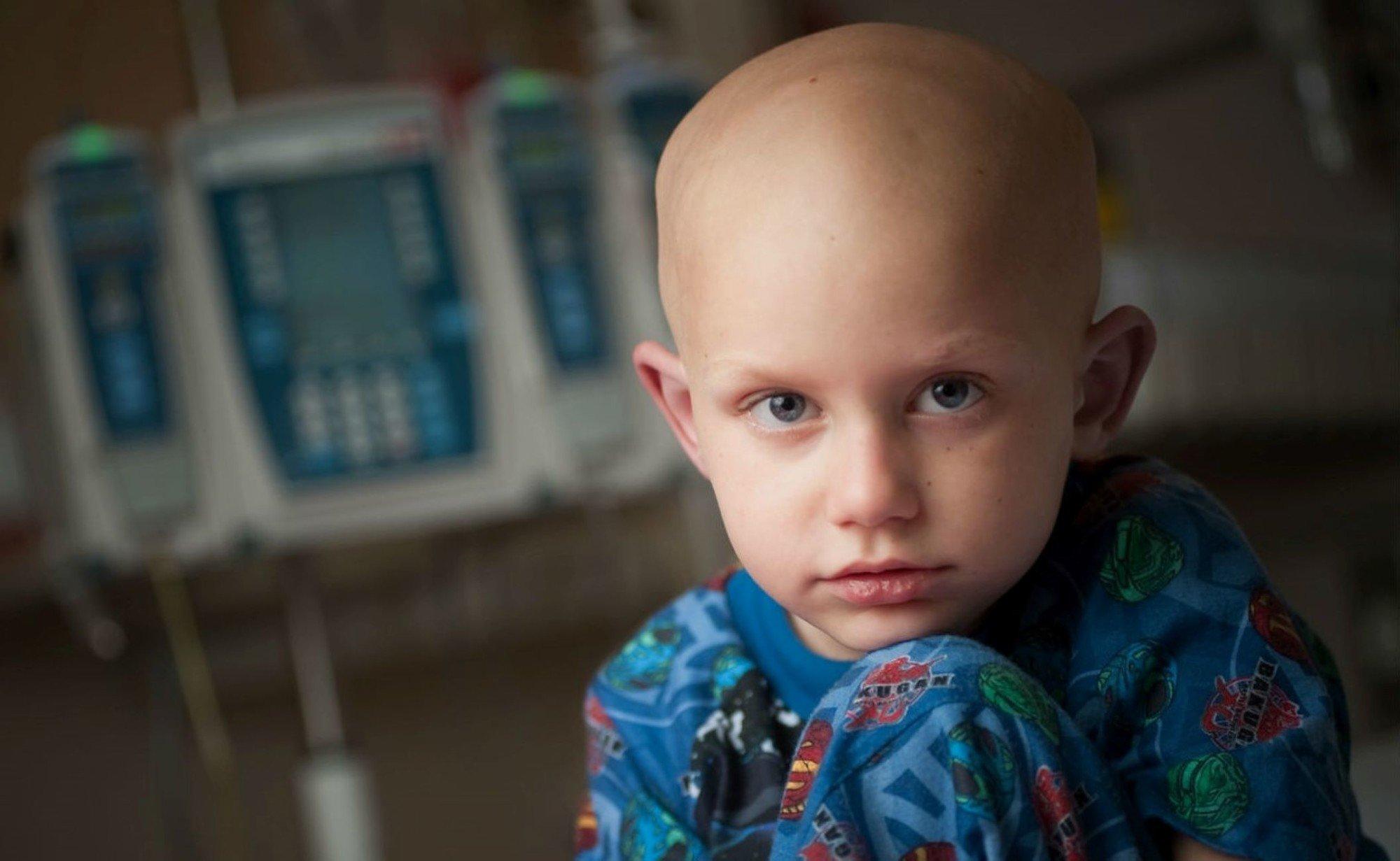 Кабмин забрал 62 млн у онкобольных и отдал на дороги