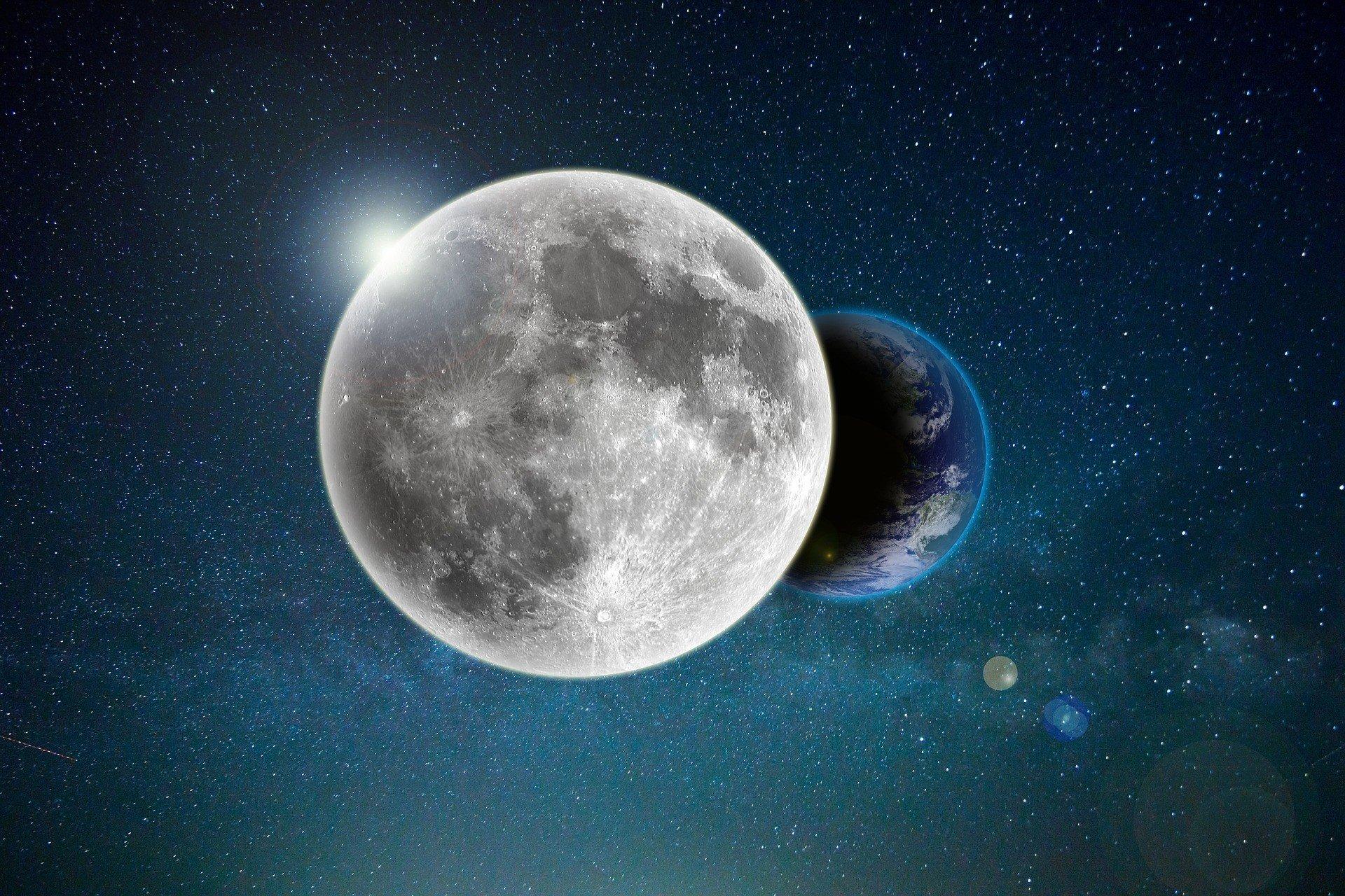 NASA нашло воду на освещенной стороне Луны