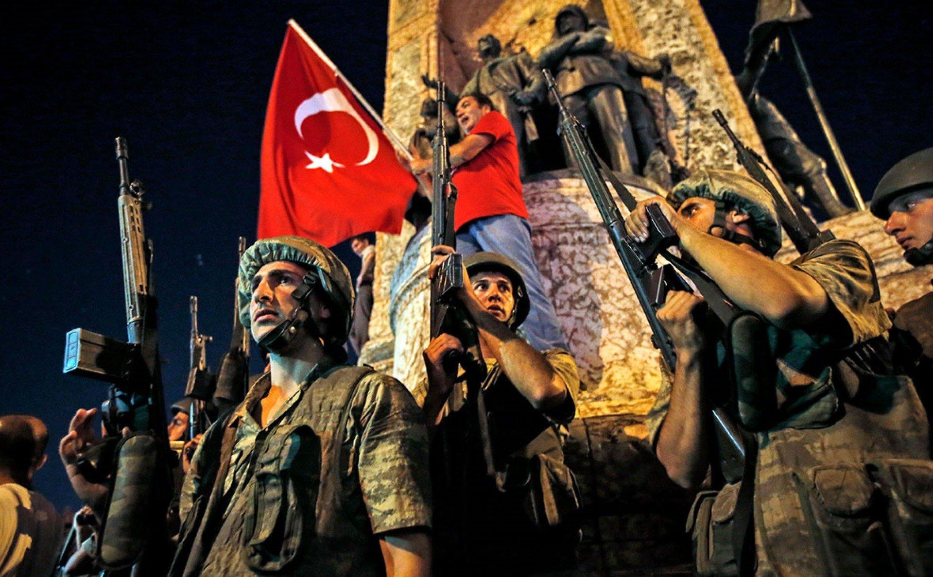 Более 300 противников Эрдогана осудили пожизненно