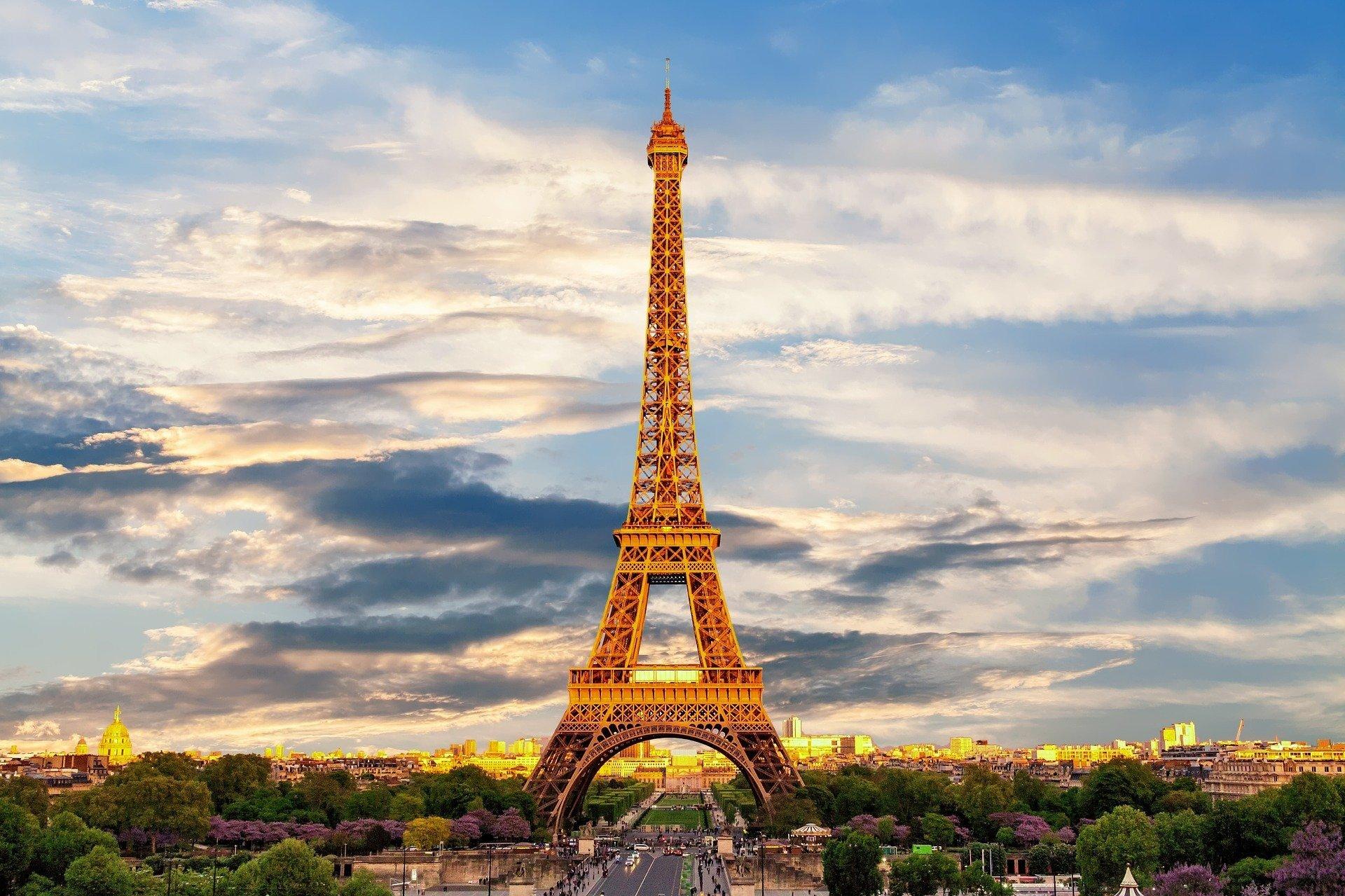 Как Франция вставляет палки в колеса России