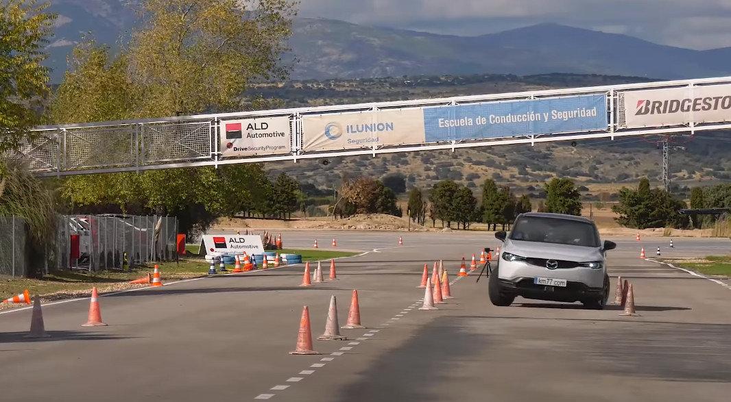 """Mazda MX-30 проверили """"лосиным тестом"""""""