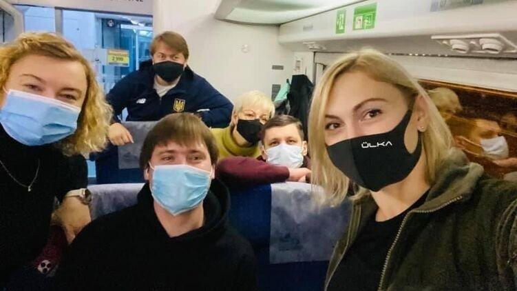 """""""Слуги народа"""" поедут на Донбасс небольшими группами"""
