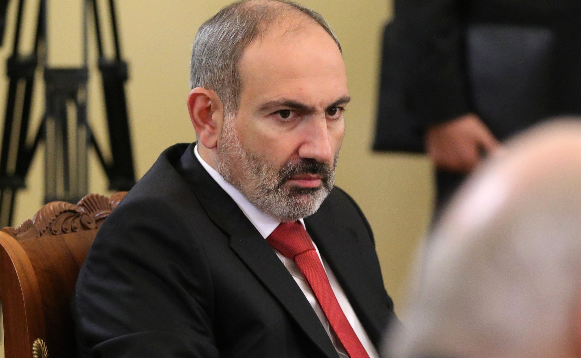 """Пашинян обвинил оппонентов в """"переносе войны в Армению"""""""