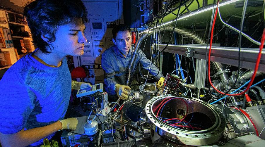 Определен самый точный размер протона