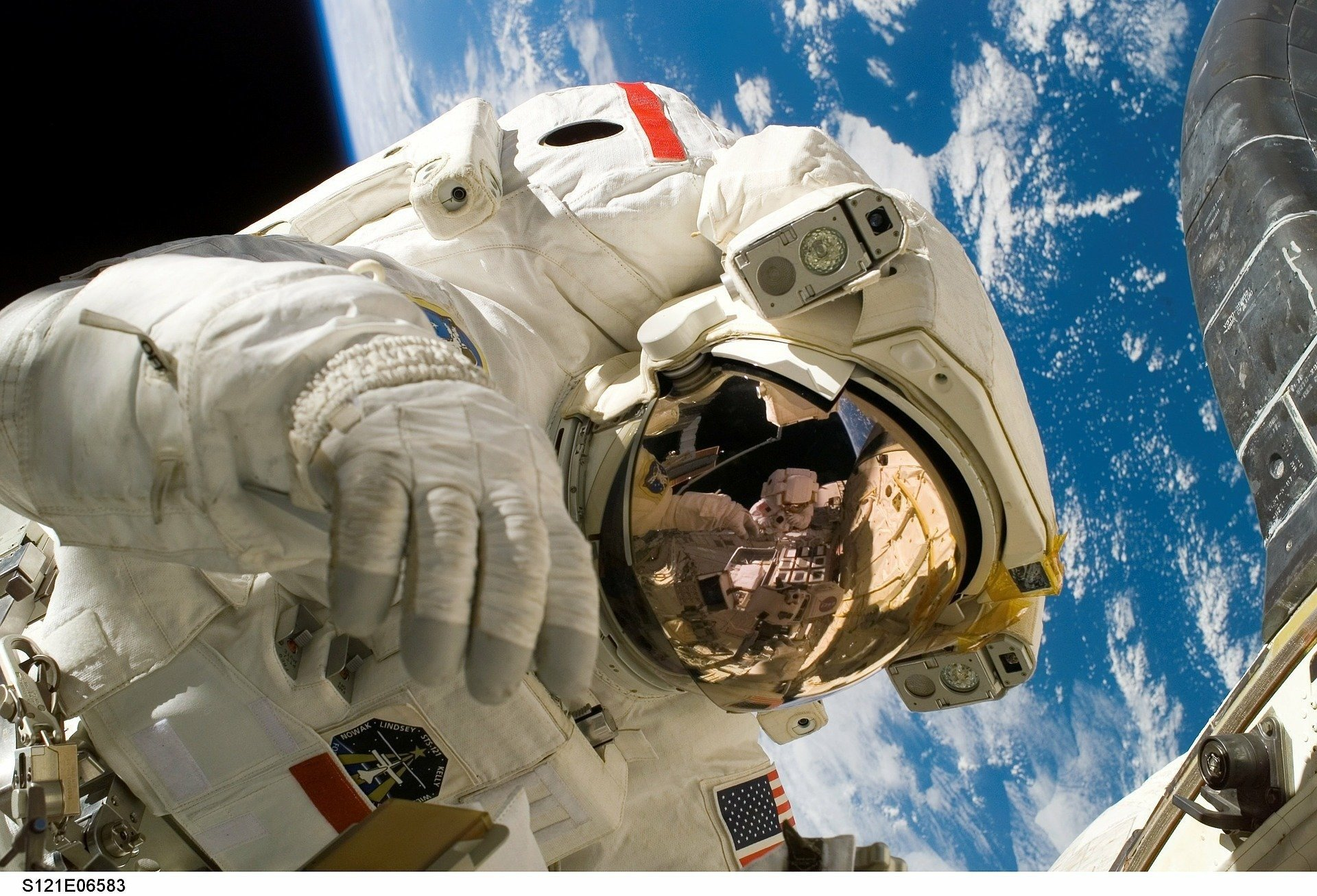 Украина подписала соглашение о принципах мирного космоса