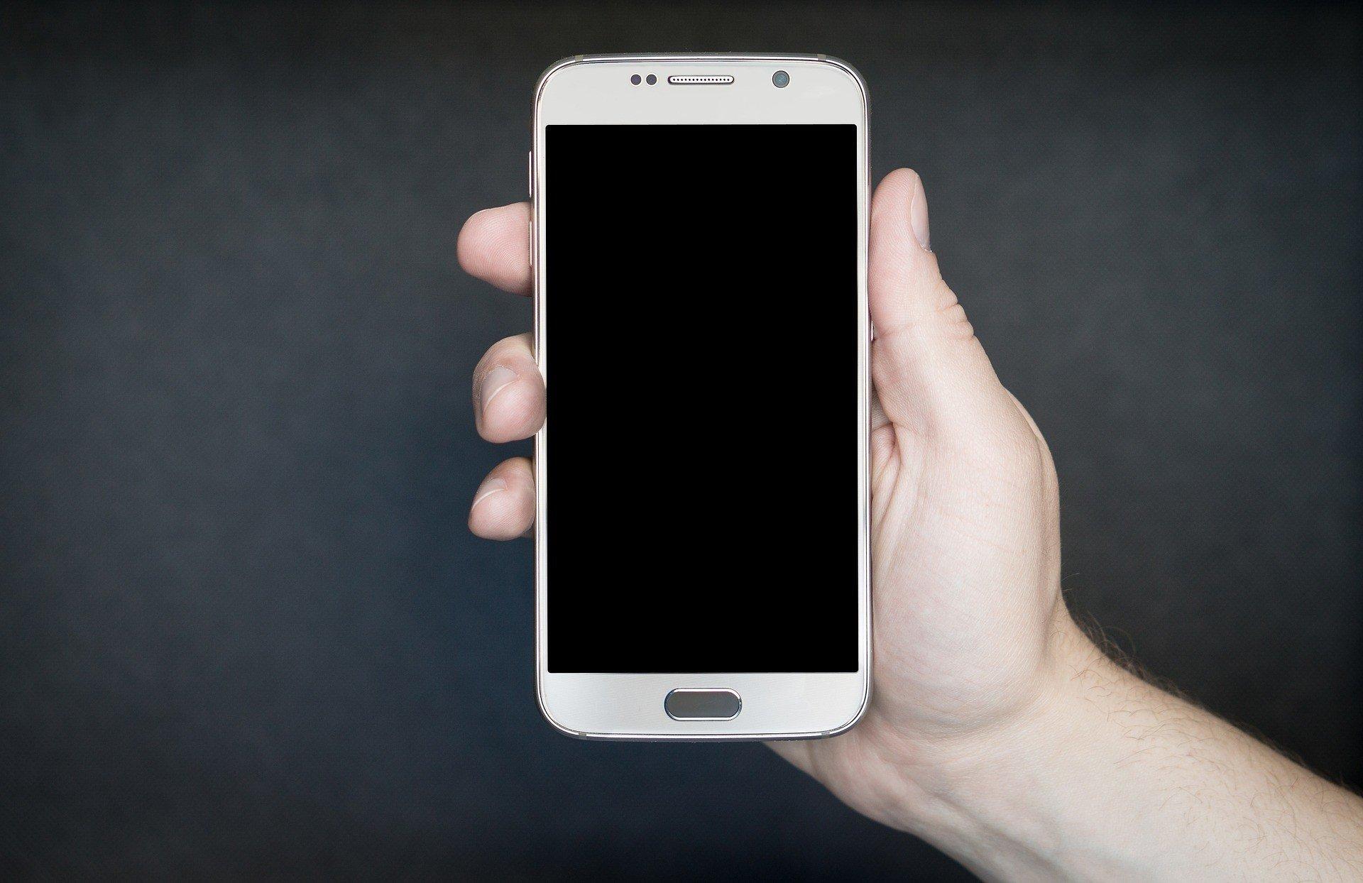 Как пользователи сокращают срок жизни смартфона