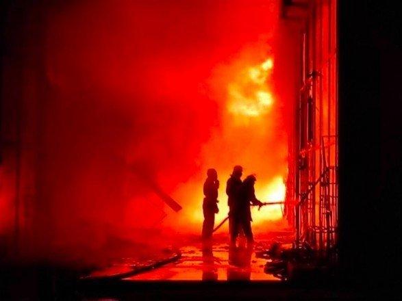 В Харькове крупный пожар на рынке Барабашево