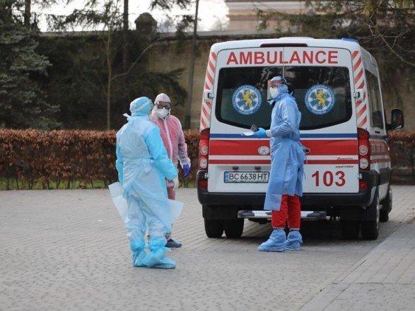 В Украине меньше 9 тысяч новых случаев COVID