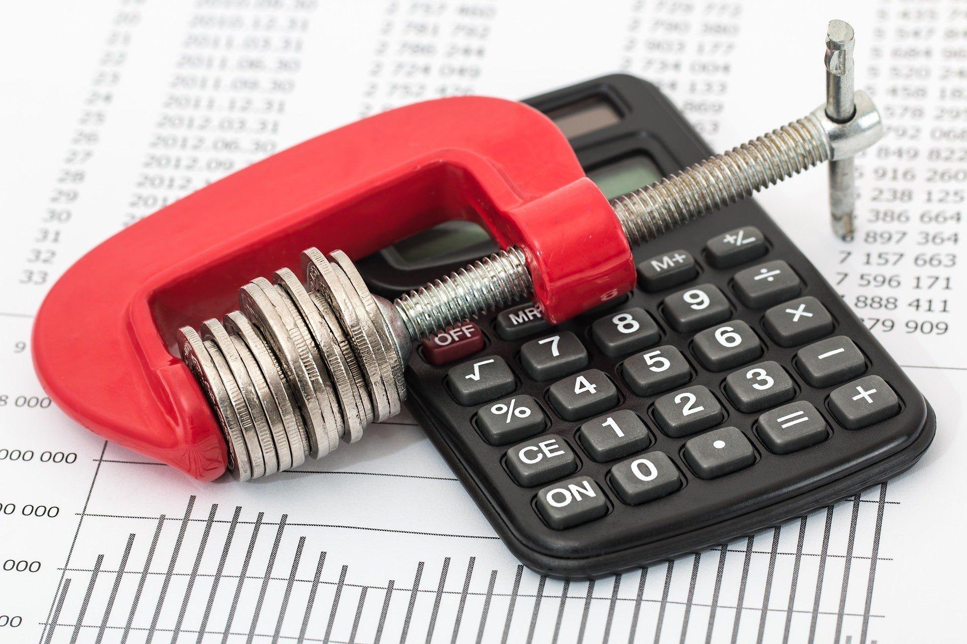 Просроченная задолженность от налоговой: как поступить