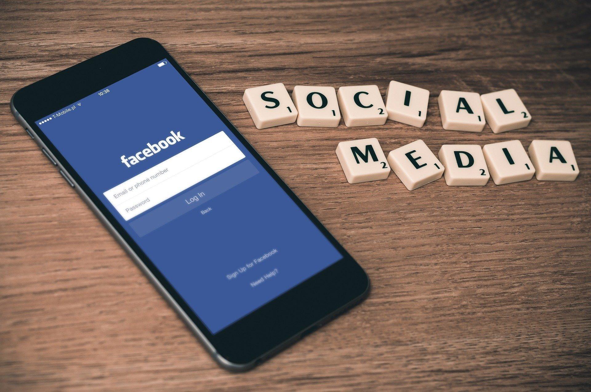 В России наложили многомиллионный штраф на Facebook